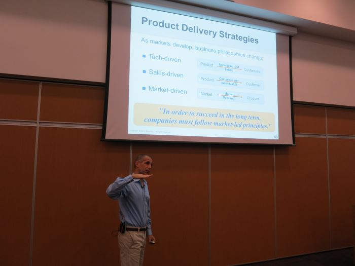 Gabriel Steinhardt presenting his 'Market-driven Product Management' keynote.
